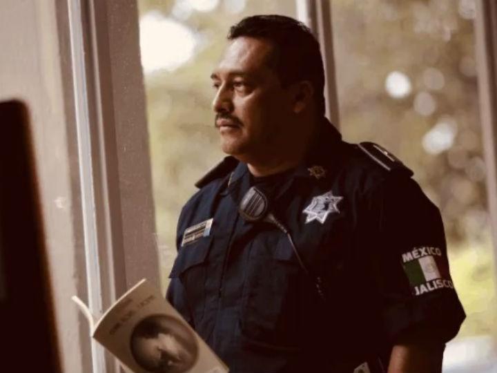policia guadalajara libro de poemas